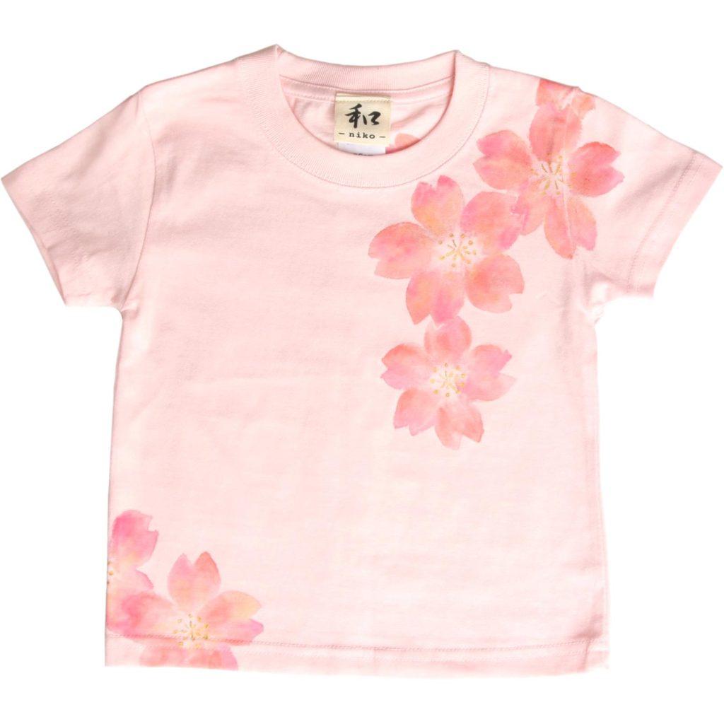 キッズサイズ 舞桜柄Tシャツ 手描きで描いた和風の桜柄Tシャツを追加しました。