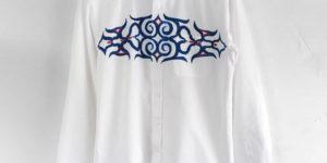 手描きアイヌ文様唐草とフクロウ柄のボタンダウン長袖シャツを追加しました。