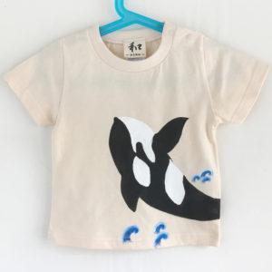 キッズ シャチ柄Tシャツ ナチュラル 手描きで描いたシャチのTシャツ
