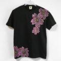 舞桜柄メンズ Tシャツ ブラック×桜色 手描きで描いた和風の桜柄Tシャツ