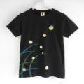 蛍柄Tシャツ、和風な蛍の光の手描きTシャツ。