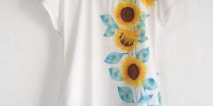 レディース ひまわり柄チュニックTシャツ 手描きで描いたヒマワリの花柄ワンピース